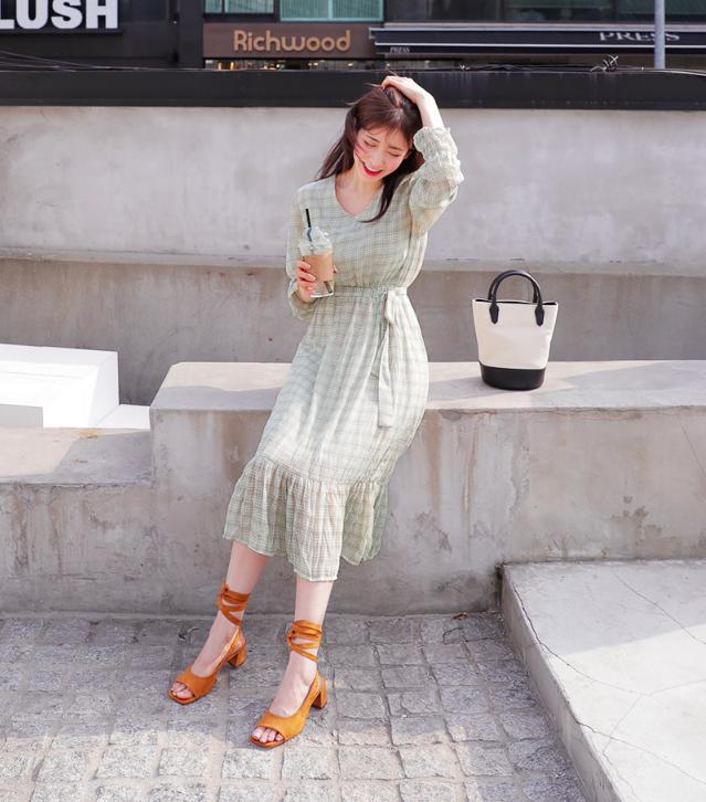 Chân váy dài có kén dáng thế nào thì chỉ cần diện cùng 5 mẫu giày/dép này là đẹp mĩ mãn - Ảnh 14.