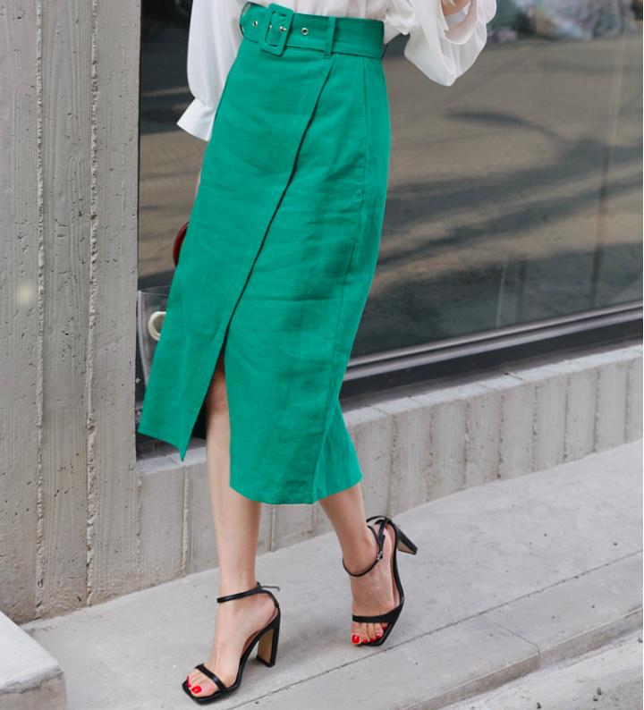 Chân váy dài có kén dáng thế nào thì chỉ cần diện cùng 5 mẫu giày/dép này là đẹp mĩ mãn - Ảnh 3.