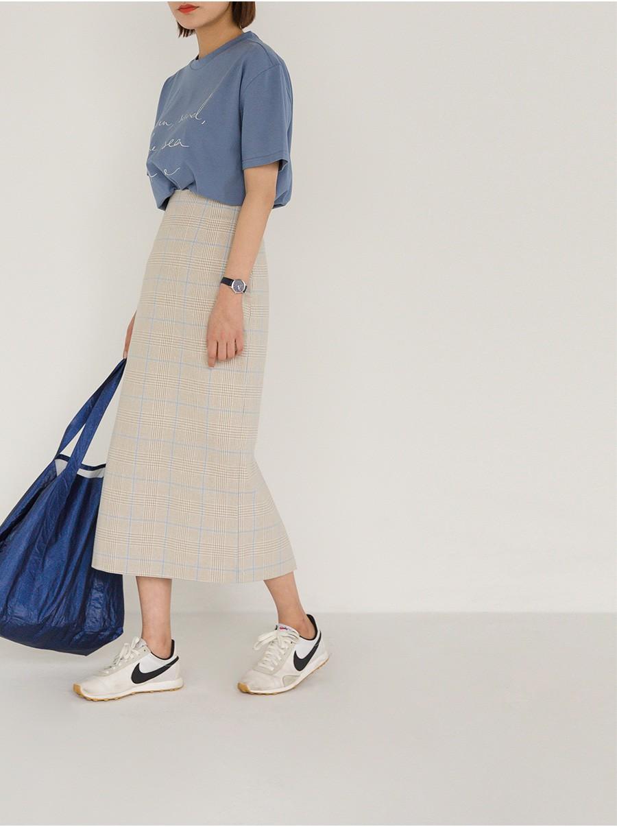 Chân váy dài có kén dáng thế nào thì chỉ cần diện cùng 5 mẫu giày/dép này là đẹp mĩ mãn - Ảnh 13.