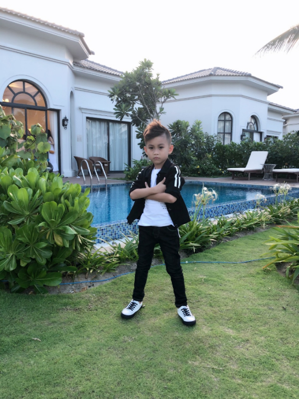 Tuy mới sinh năm 2011 nhưng với gương mặt cá tính , lạnh lùng đã khiến các khán giả ấn tượng bởi Minh Lâm có tố chất giống như một người mẫu chuyên nghiệp