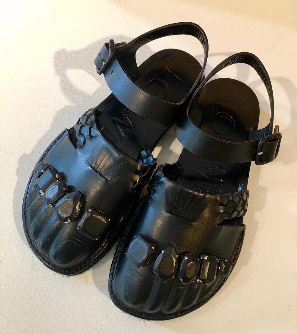 giày xấu xí