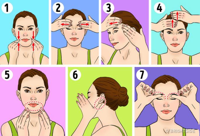 Massage mặt hàng ngày giúp giảm chảy xệ, tăng đàn hồi da.