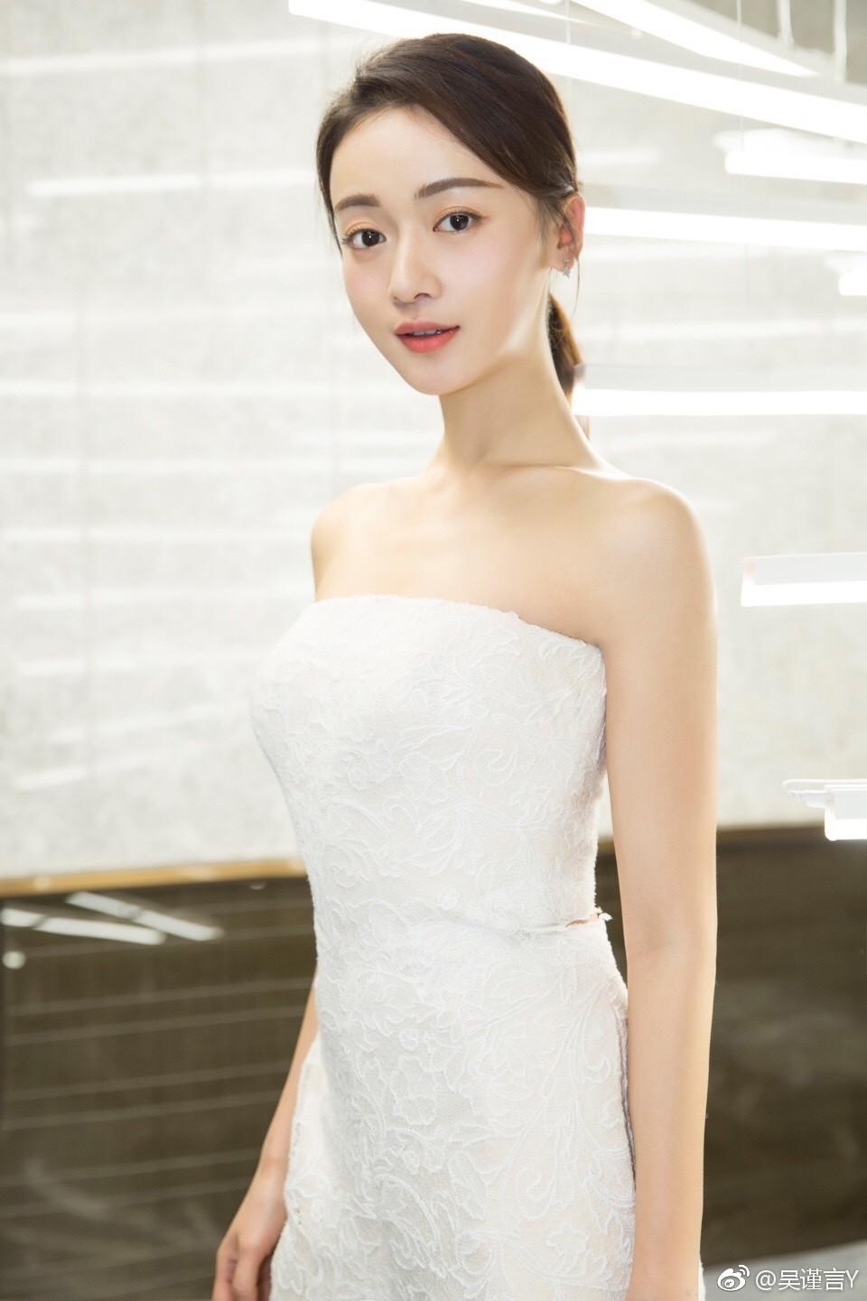 Cận cảnh nhan sắc đẹp - độc - lạ của Ngụy Anh Lạc Ngô Cẩn Ngôn trong drama hot 100 độ Diên Hi Công Lược - Ảnh 29.