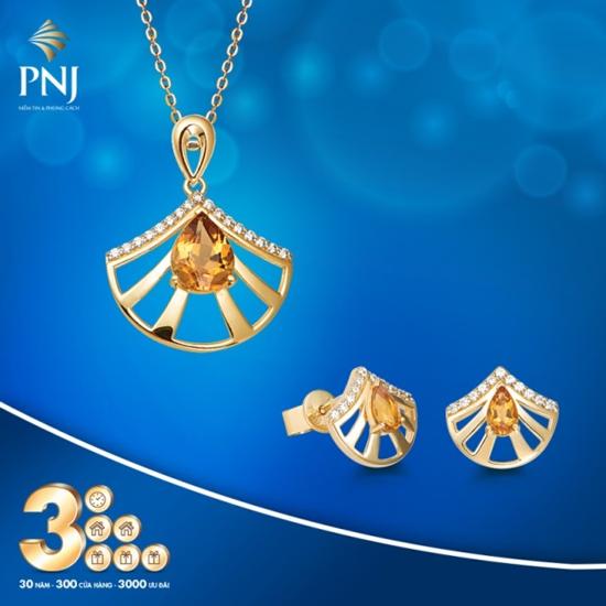 Trang sức đá quý PNJ được lấy cảm hứngtừ vẻ đẹpngười phụ nữ Việt. Mỗi thiết kế là mỗi câu chuyện, là tâm tình và là lời ngợi ca mà PNJ dành riêng tặng phái đẹp.