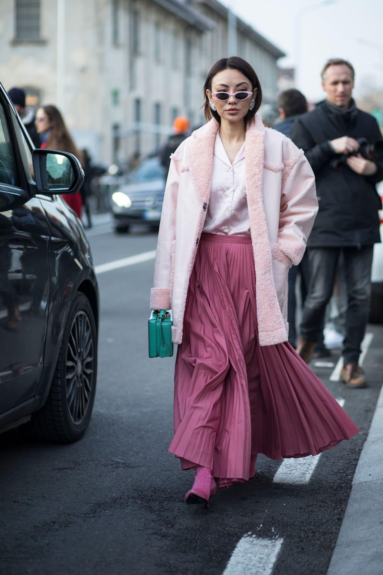 trang phục màu hồng millennial 20