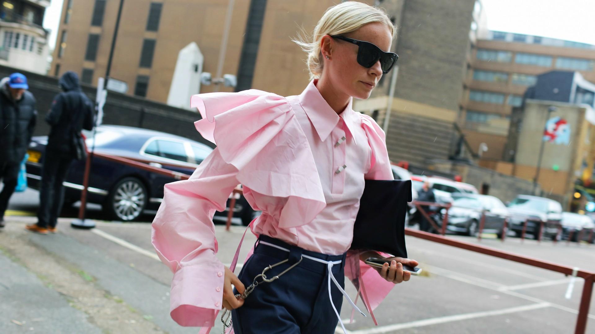 trang phục màu hồng millennial 2