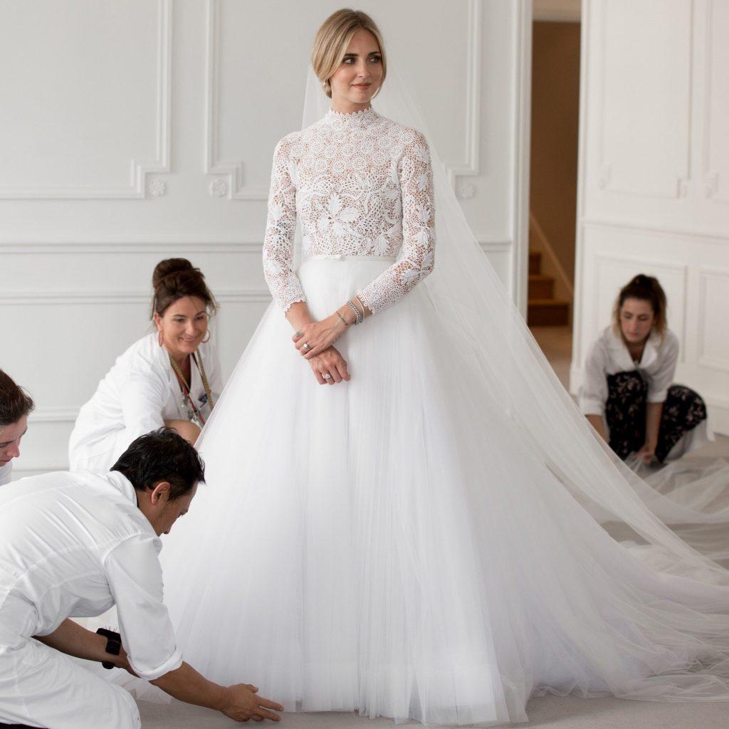 Xu hướng thời trang cưới lấy cảm hứng từ váy cưới của Chiara Ferragni và Meghan Markle 31