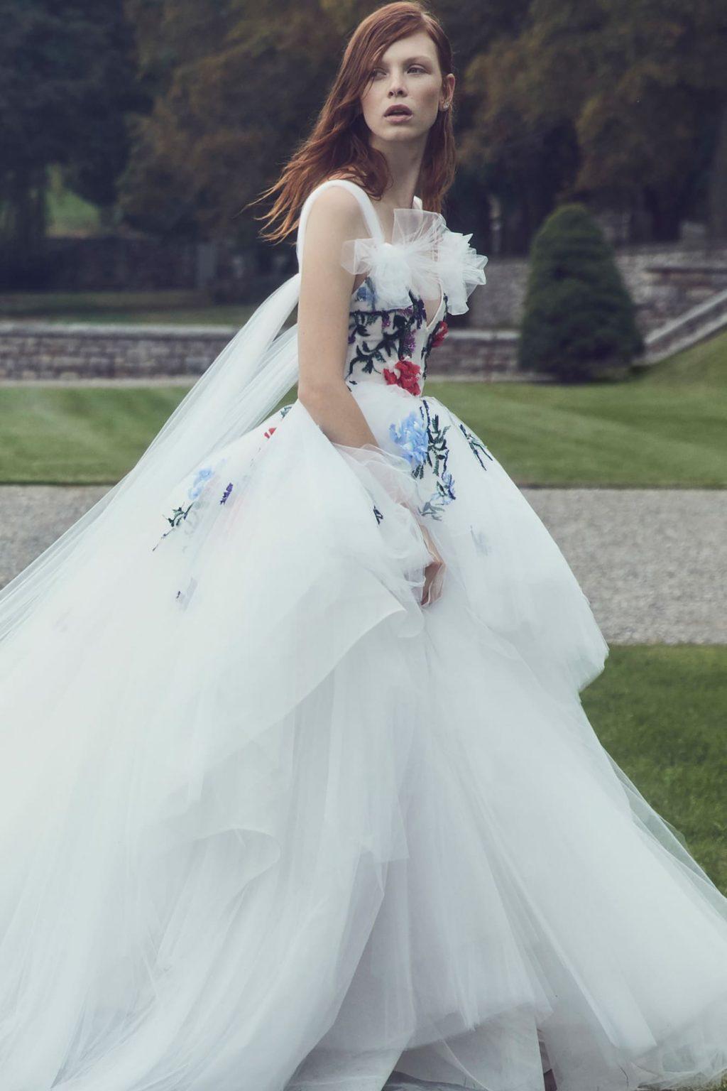 Xu hướng thời trang cưới lấy cảm hứng từ váy cưới của Chiara Ferragni và Meghan Markle 11