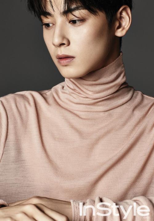 Nhiều người dự đoán tên tuổi Cha Eun Woo sẽ còn tiến xa trong lĩnh vực thời trang. Anh hiện tại cũng là gương mặt được nhiều nhãn hàng, tạp chí ưu ái. Mới đây, anh lọt vào danh sách Men of the year của tạp chí GQ.