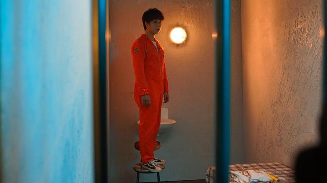 Lou Hoàng hóa chàng trai yêu dại khờ, thủ tiêu cả tình địch để phải ngồi tù - Ảnh 2.
