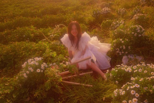 Phương Ly đẹp trong veo trong MV mới, nhưng cái kết mới khiến người xem ngỡ ngàng - Ảnh 7.