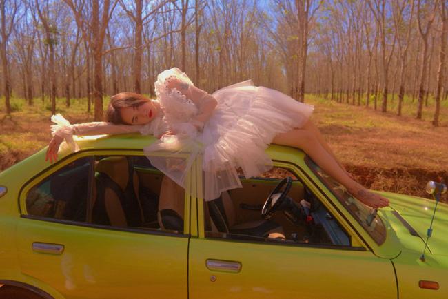 Phương Ly đẹp trong veo trong MV mới, nhưng cái kết mới khiến người xem ngỡ ngàng - Ảnh 1.