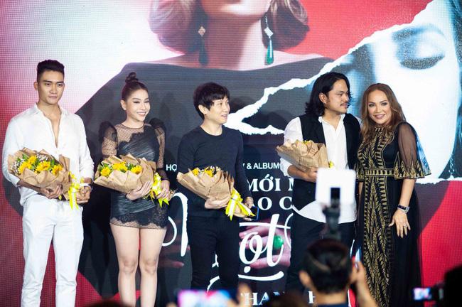 Thanh Hà xúc động cầu hôn bạn trai kém tuổi trong buổi ra mắt album mới - Ảnh 1.