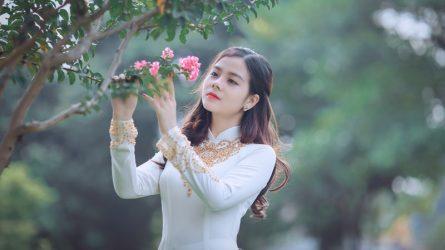 [06 ngày trước Tết] Rạng ngời du Xuân với những kiểu tóc đẹp khi mặc áo dài