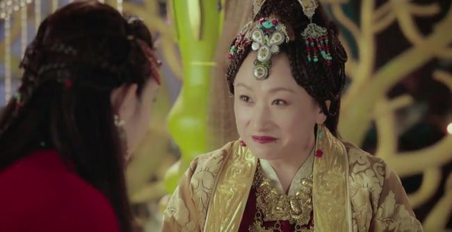 Đông Cung: Đỏ mặt với cảnh hôn môi dưới nước của cặp đôi Bành Tiểu Nhiễm - Trần Tinh Húc - Ảnh 2.