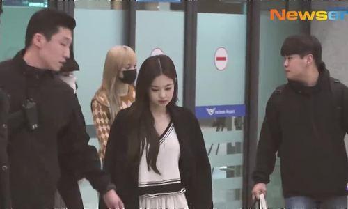 Jennie diện đồ khó hiểu, Twice có style chất lừ ở sân bay