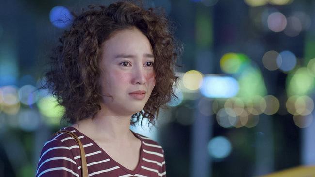 Mối tình đầu của tôi: Lan Ngọc rớt nước mắt khi chứng kiến Bình An ôm Chi Pu - Ảnh 2.