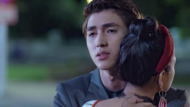 Mối tình đầu của tôi: Lan Ngọc rớt nước mắt khi chứng kiến Bình An ôm Chi Pu - Ảnh 10.