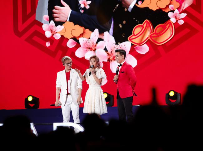 Nguyên Khang bất ngờ hứa làm MC đám cưới cho Đông Nhi - Ảnh 10.