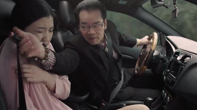 Những cô gái trong thành phố: Lương Thanh bị chồng sắp cưới quấy rối tình dục ngay trên xe - Ảnh 3.