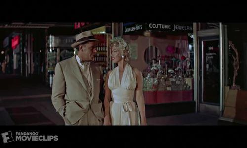 Cảnh tung váy kinh điển của Marilyn Monroe