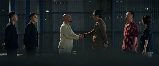 Sau bao ngày ẩn mình, bố già Hắc Hổ - Huỳnh Đông đã chính thức lộ diện ở Chị 13 - Ảnh 8.
