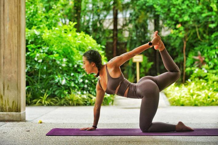 Hana Giang Anh chia sẻ về việc tập luyện tại nhà: Phải tự kỷ luật bản thân, đúng giờ đúng ngày là xách mông tập, không cần biết cám dỗ thế nào - Ảnh 6.