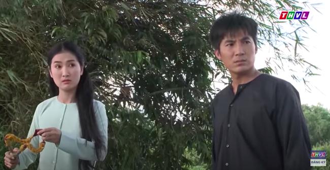 """""""Luật trời"""" tập 15: Cậu chủ Tiến ức hiếp Bích (Quỳnh Lam) nào ngờ nhận cái kết đắng, tim lại còn rung rinh - Ảnh 6."""