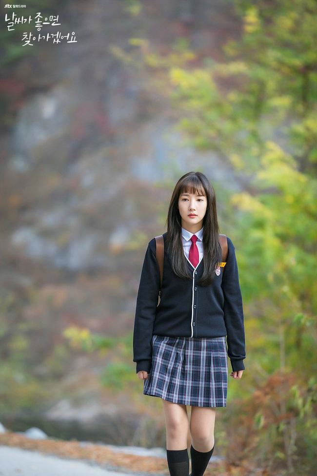 Phim mới của Park Min Young dở tệ, rating thê thảm nhưng không thể chê bai nhan sắc, nhất là khi làm nữ sinh lại cực phẩm thế này - Ảnh 2.