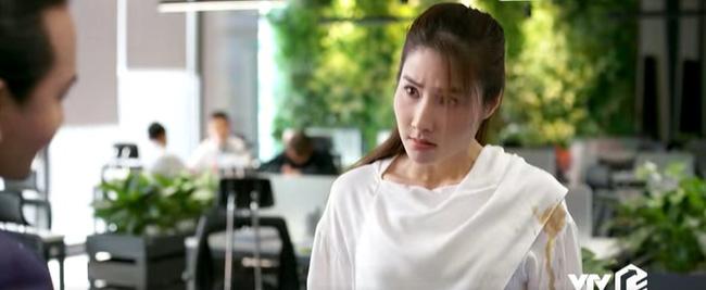 """Tình yêu và tham vọng: NSND Minh Hòa xuất hiện quyền lực, đẹp """"hack tuổi"""" dằn mặt Diễm My 9x khiến dân mạng tung hô - Ảnh 5."""
