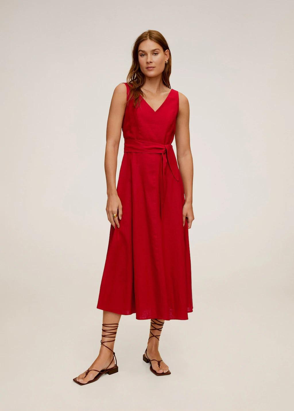 Đầm dài linen màu đỏ Mango