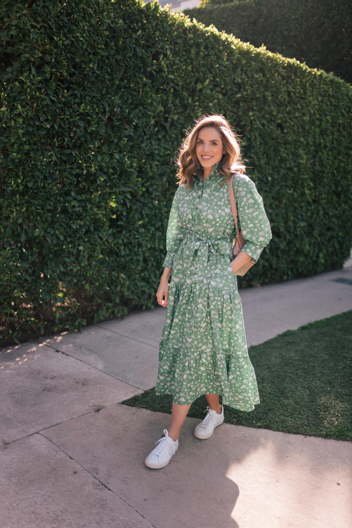 Đầm dài tay phồng in hoa xanh lá
