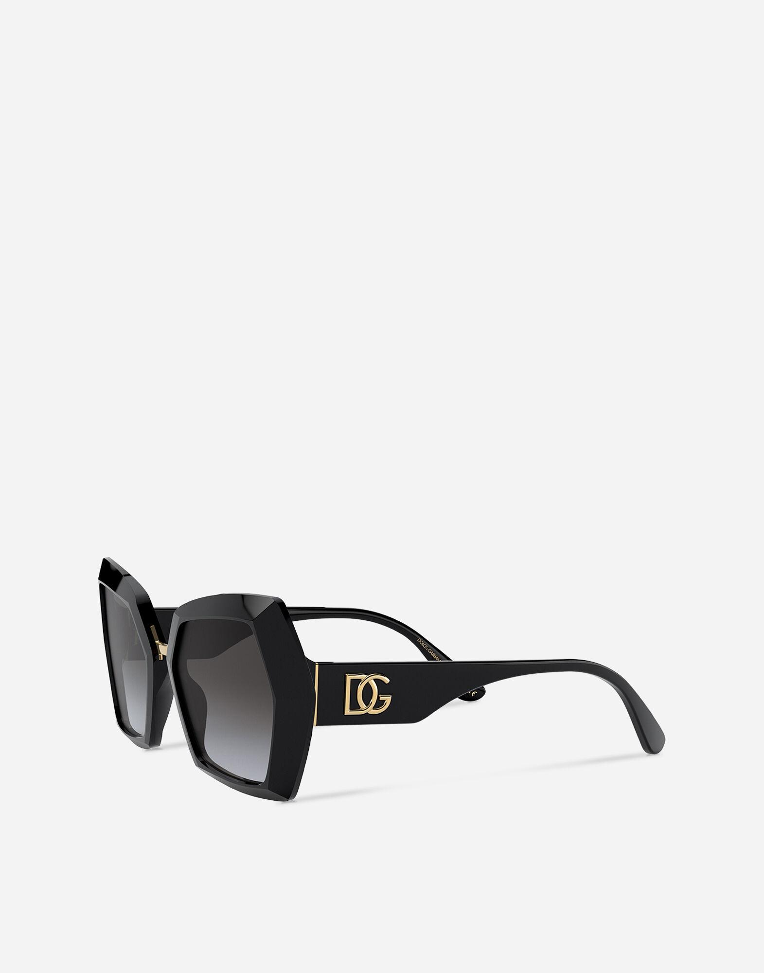 Mắt kính đen to bản Dolce & Gabbana