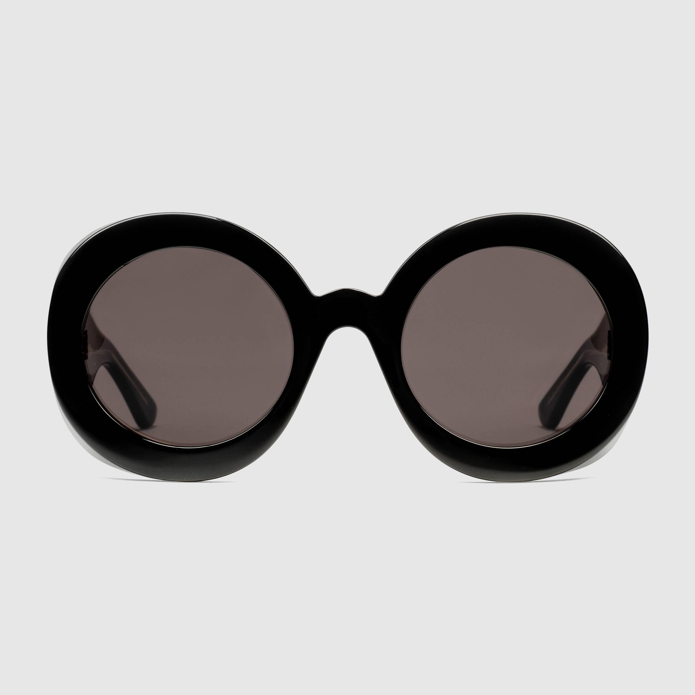 Mắt kính đen gọng tròn to bản Gucci