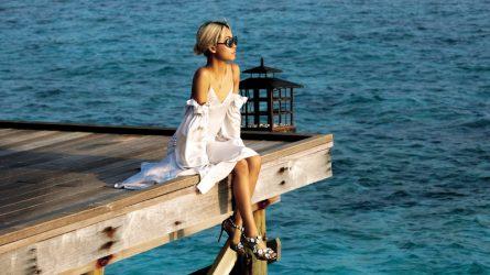 5 kiểu giày sandal hoàn hảo cho chuyến du lịch biển