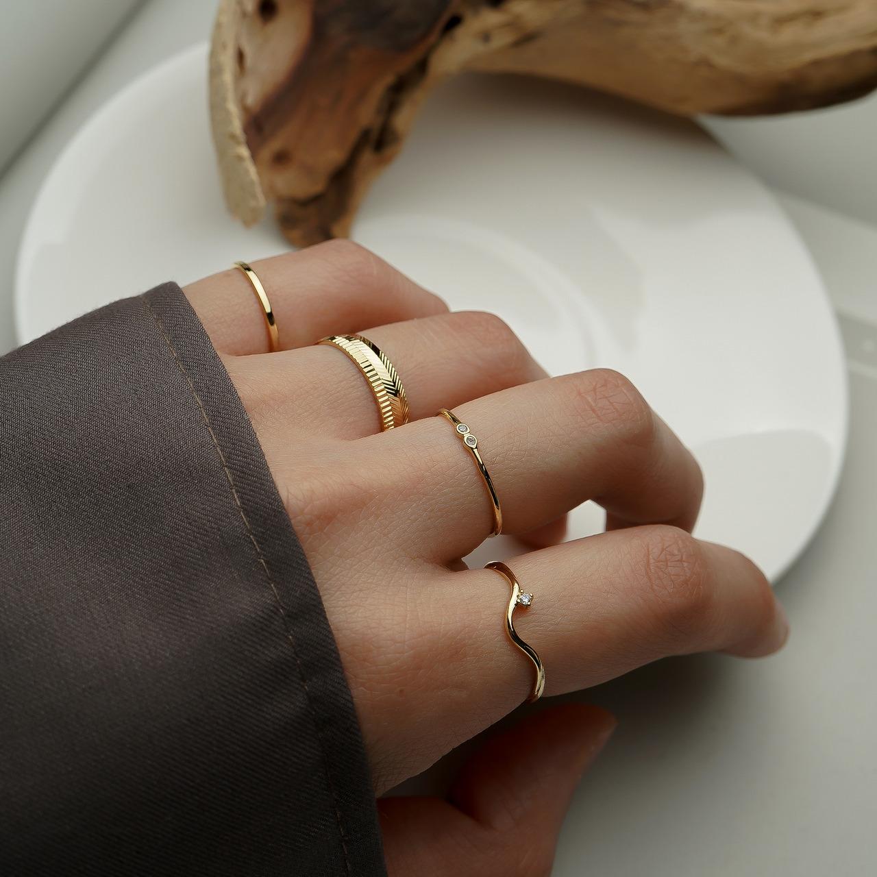 Nhẫn nữ mảnh đơn giản theo bộ