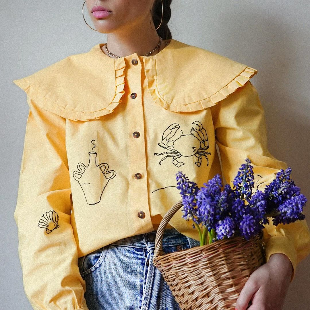 cổ áo thêu peterpan bèo vàng