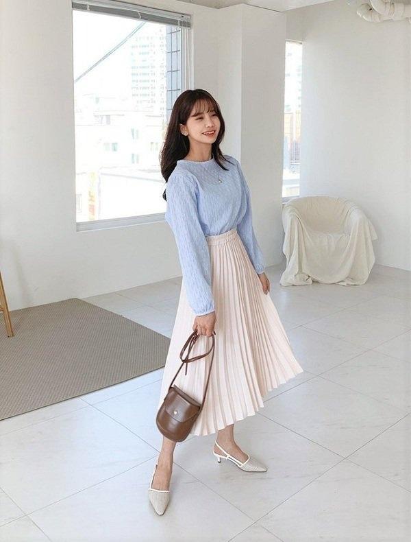Kiểu chân váy được biên tập viên Thu Hương ưa chuộng - Ảnh 6.