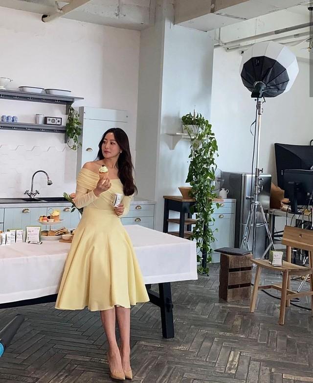 Ở tuổi 43, Kim Hee Sun giữ gìn vóc dáng và làn da búng ra sữa bằng nguyên liệu quen thuộc mà ai cũng biết - Ảnh 7.