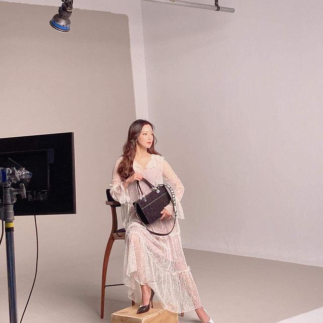 Ở tuổi 43, Kim Hee Sun giữ gìn vóc dáng và làn da búng ra sữa bằng nguyên liệu quen thuộc mà ai cũng biết - Ảnh 8.