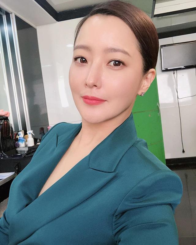 Ở tuổi 43, Kim Hee Sun giữ gìn vóc dáng và làn da búng ra sữa bằng nguyên liệu quen thuộc mà ai cũng biết - Ảnh 10.