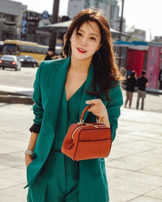 Ở tuổi 43, Kim Hee Sun giữ gìn vóc dáng và làn da búng ra sữa bằng nguyên liệu quen thuộc mà ai cũng biết - Ảnh 12.