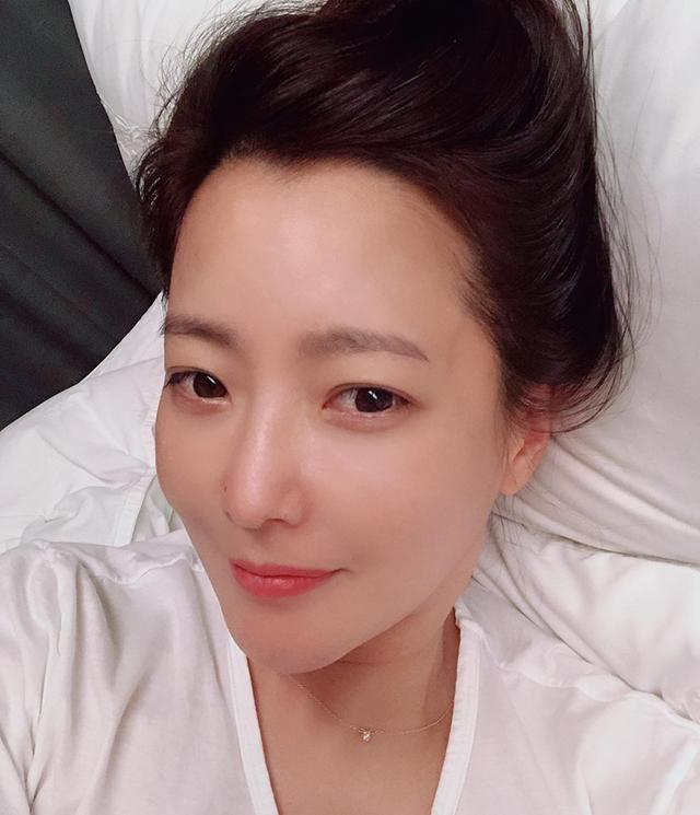Ở tuổi 43, Kim Hee Sun giữ gìn vóc dáng và làn da búng ra sữa bằng nguyên liệu quen thuộc mà ai cũng biết - Ảnh 4.