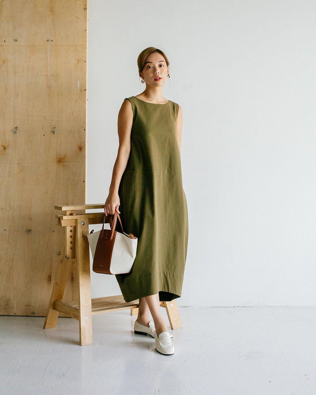 Xu hướng thời trang - váy linen xanh olive