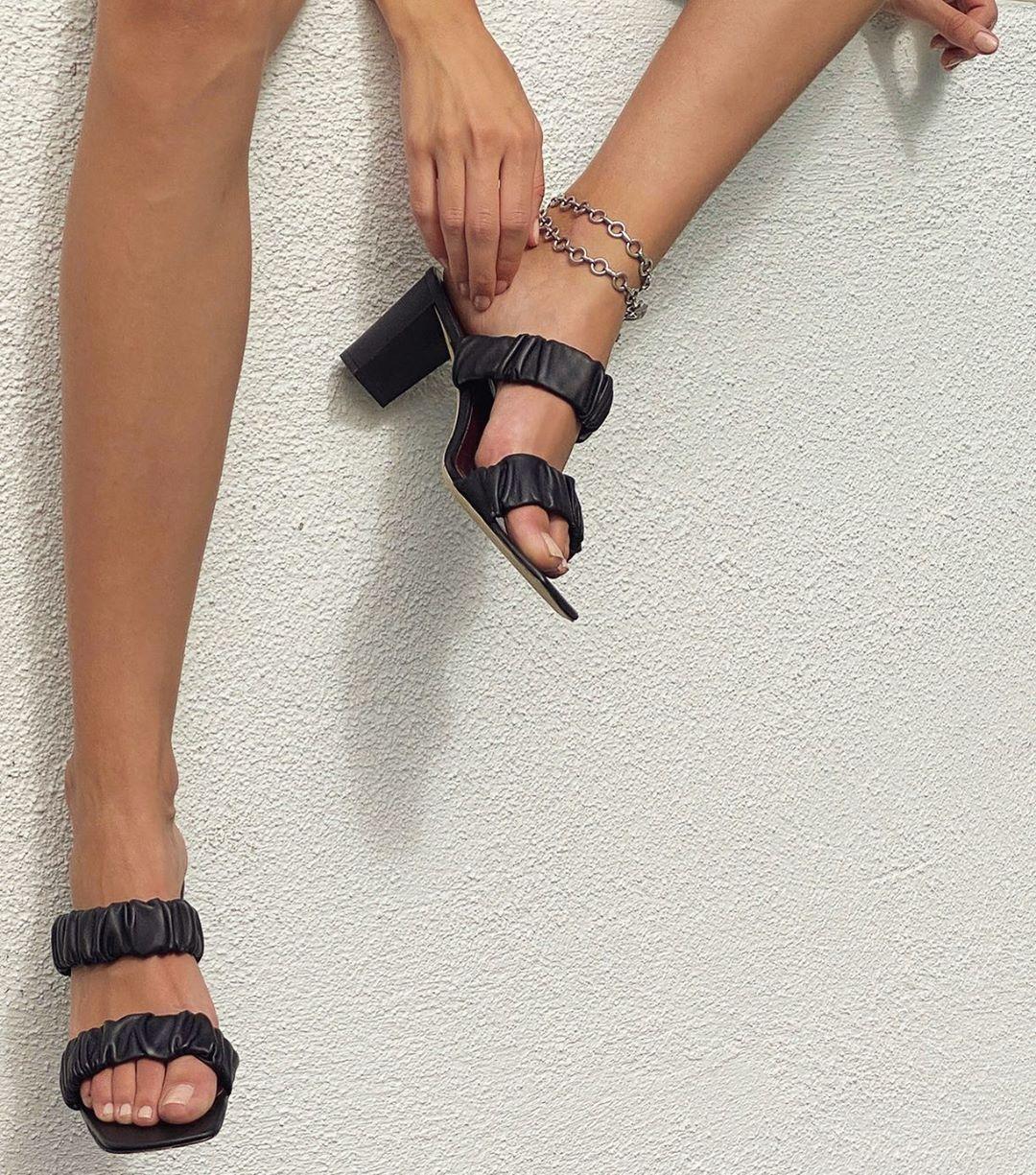 lắc chân xích bạc