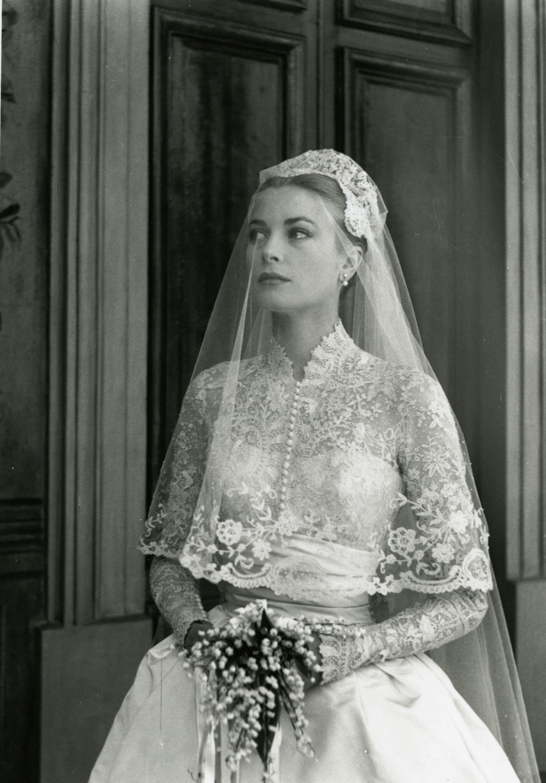 váy cưới đắp ren grace kelly